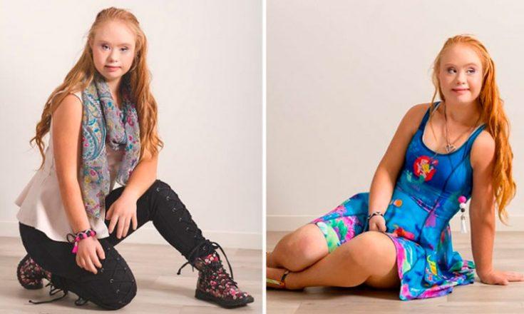 Duas fotos verticais, colocadas lado a lado, de uma jovem modelo ruiva, com Síndrome de Down. À esquerda, ela veste calça preta e blusa bege claro, com um lenço estampado em volta do pescoço, e está apoiada com o joelho direito no chão; à direita, ela veste um vestido azul de alça e está sentada, apoiada no braço esquerdo.