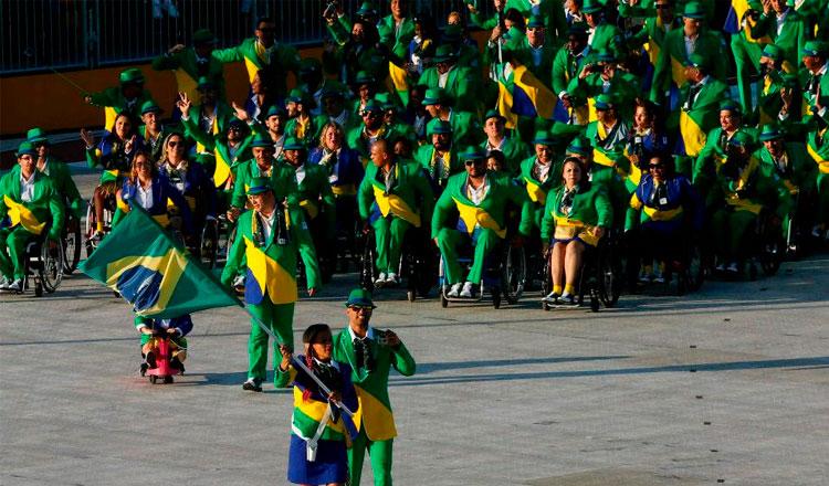 Atletas brasileiros na abertura do Jogos Parapan 2015