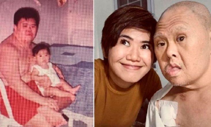 Duas fotos lado a lado de um pai com sua filha. À esquerda, bem antiga, bastante granulada, o homem somente de calção vermelho com a bebê no colo; à direita, atual, os dois juntos, com os rostos colados, sorrindo.